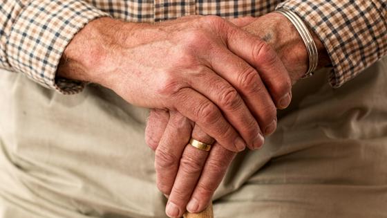 Concentração de poluentes nos lares de idosos nacionais põe em risco saúde dos seniores