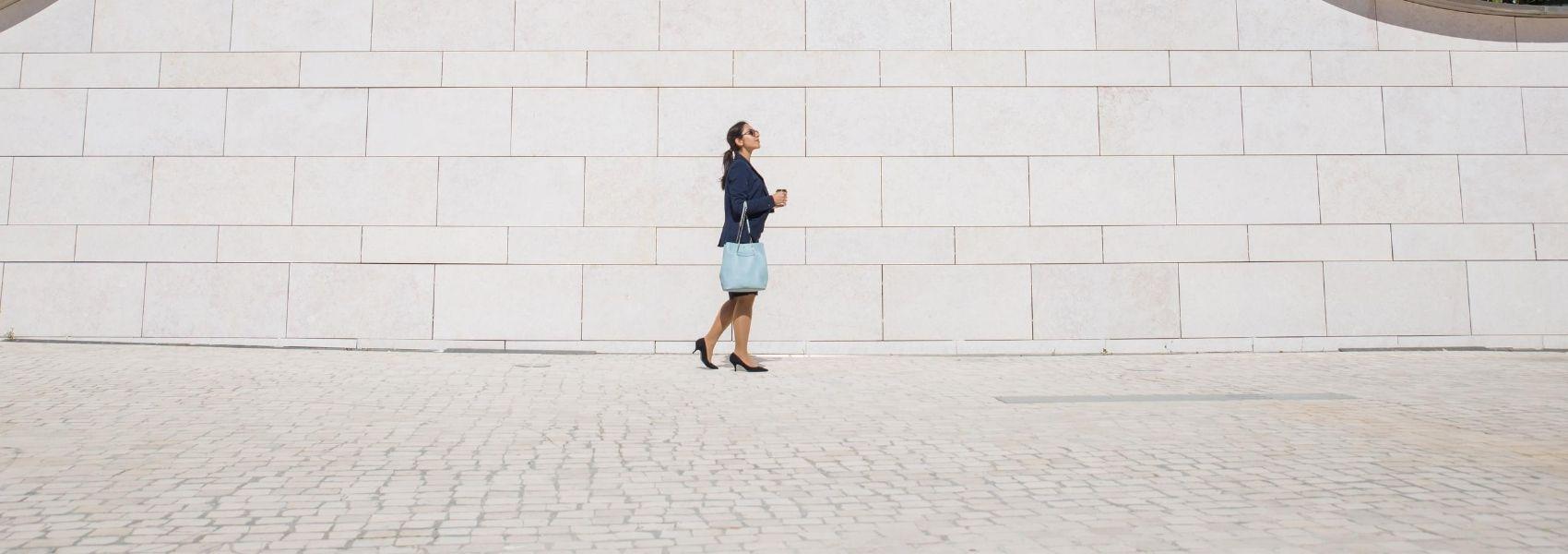 Estudo revela porque é que caminhadas para o trabalho podem fazer melhor do que um simples passeio