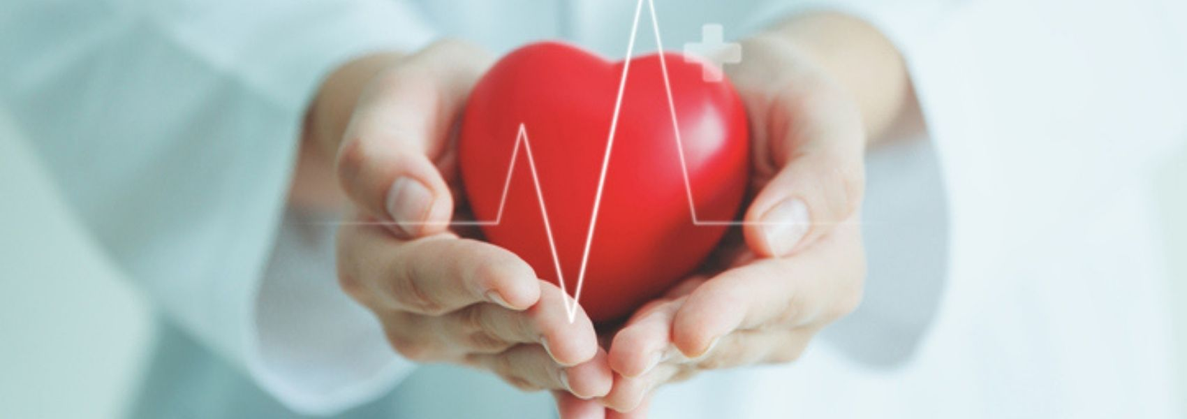 Mulheres de meia-idade devem verificar a pressão arterial para evitar enfartes
