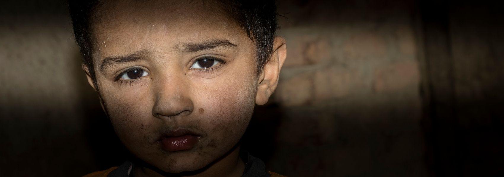Estudo estima que 1,5 milhões de crianças em todo o mundo perderam alguém devido à COVID-19